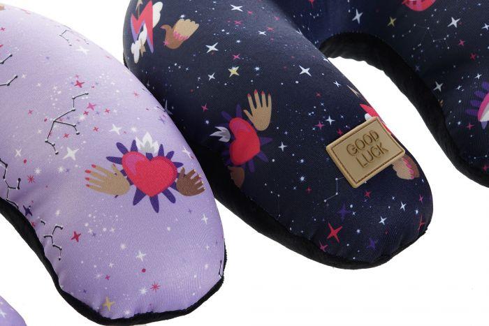 Textiel - Kussens - Travel cushion polyester foam 28x28x9 2 mod.